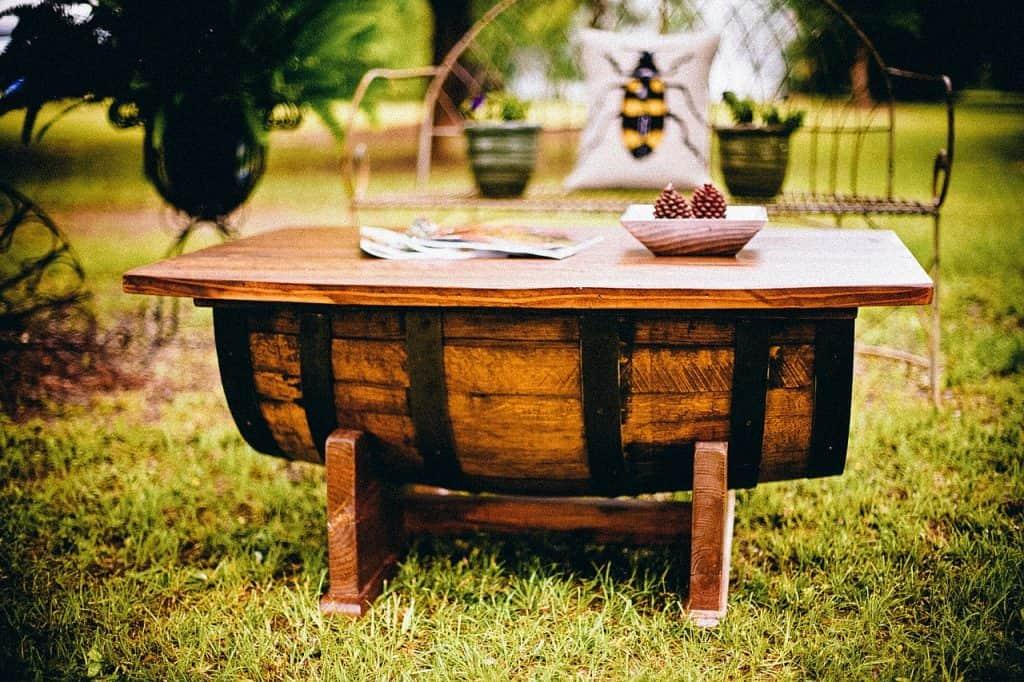 רהיטי עץ