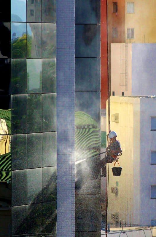 מנקה חלונות